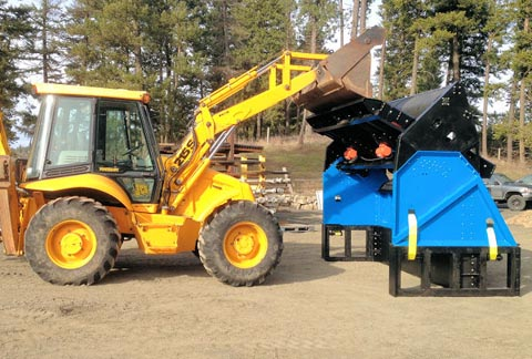 Topsoil Screener fed with Backhoe SLG-108VFRB